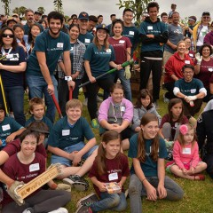 Fullerton College Participates in Community Service Day #FCLovesFullerton